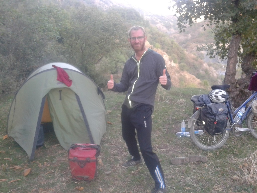 Adapting - This time with second hand sports trousers from Osh (2 Euro)