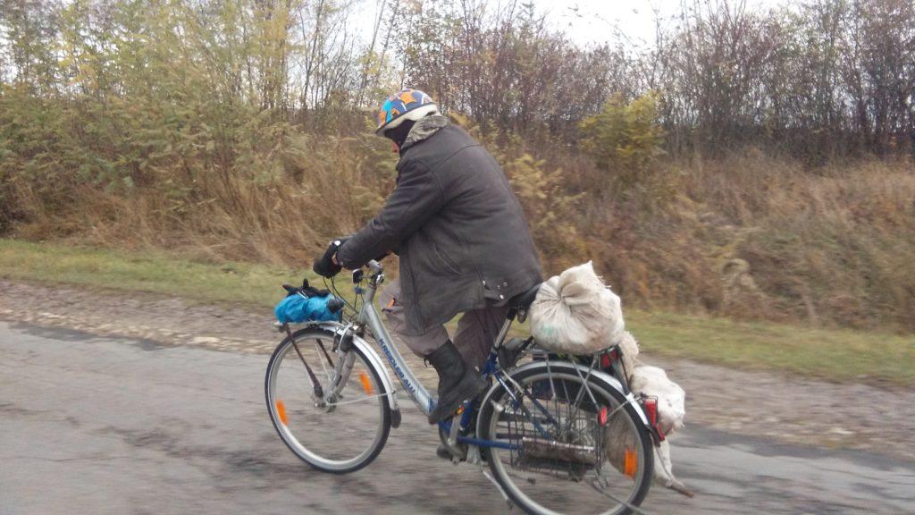 Володимир на німецькому алюмінієвому велосипеді